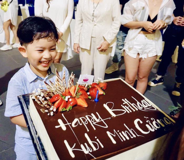 Vợ chồng Khánh Thi làm sinh nhật hoành tráng cho con trai ở resort 5 sao Ảnh 12