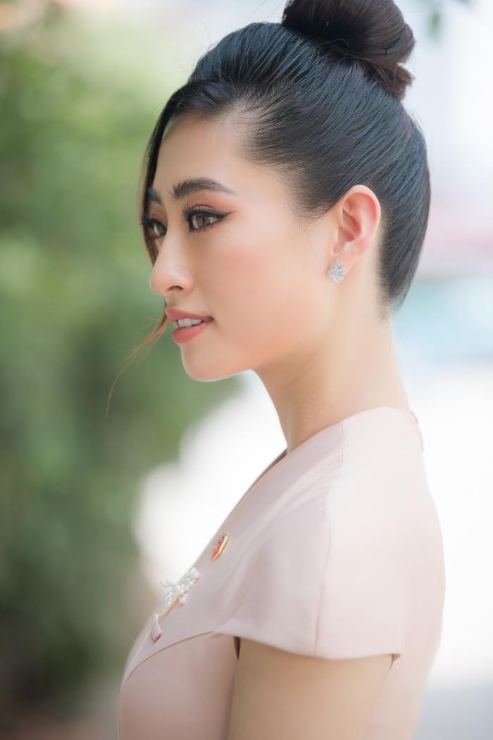 Hoa hậu Lương Thùy Linh đẹp thanh lịch tuyên truyền thông điệp cộng đồng ý nghĩa Ảnh 5