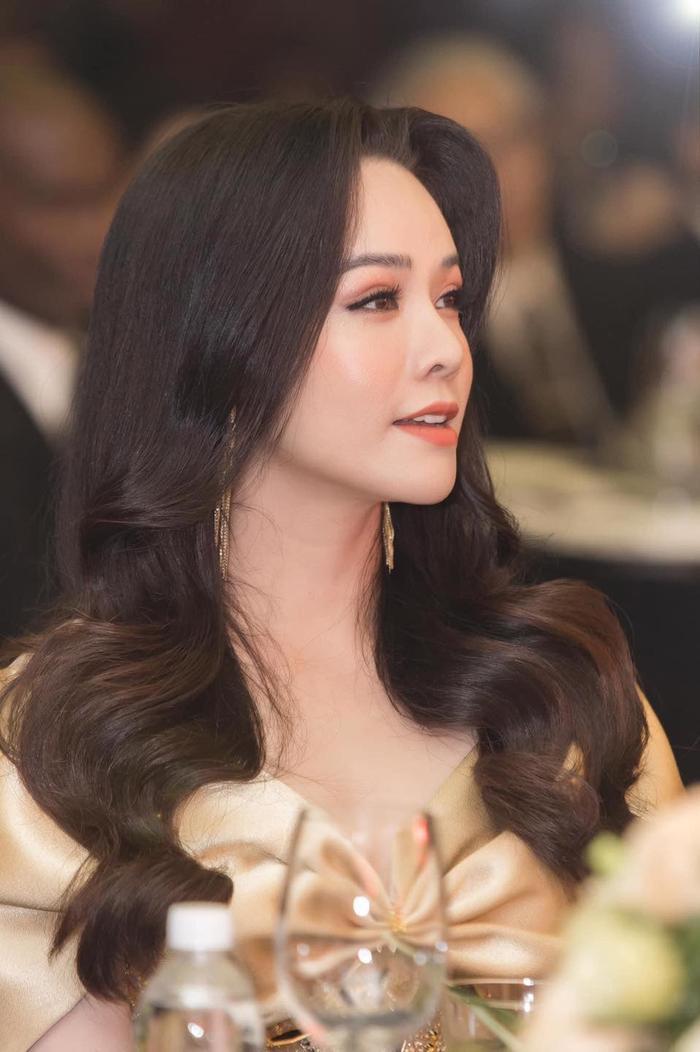 Mặc kệ ồn ào tình cảm với TiTi (HKT), Nhật Kim Anh rạng rỡ khoe xe mới tiền tỷ: Phụ nữ tự chủ tài chính vẫn là tốt nhất Ảnh 13