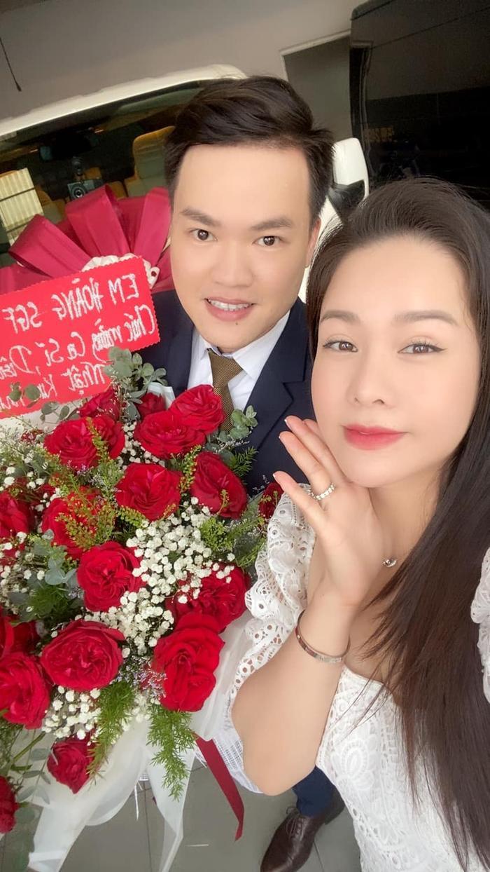Mặc kệ ồn ào tình cảm với TiTi (HKT), Nhật Kim Anh rạng rỡ khoe xe mới tiền tỷ: Phụ nữ tự chủ tài chính vẫn là tốt nhất Ảnh 12