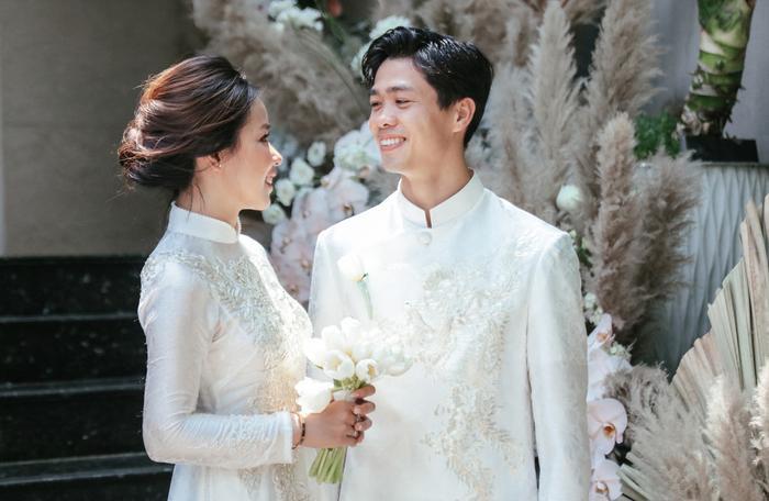 Hậu đám cưới, đây là lần hiếm hoi Công Phượng và Viên Minh công khai xuất hiện cùng nhau