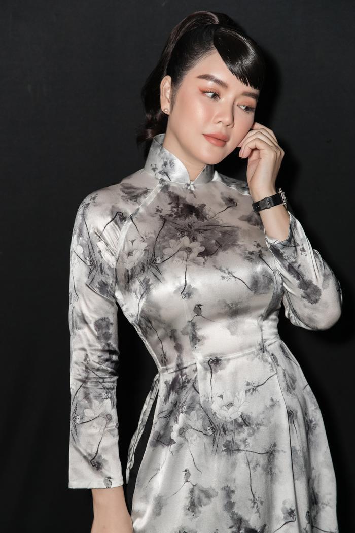 Lý Nhã Kỳ diện áo dài hóa Cô ba Sài Gòn đẹp nao lòng cả thế gian Ảnh 3
