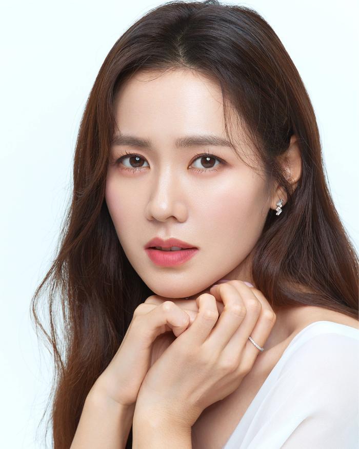 Son Ye Jin đẹp đến ngộp thở, hóa công chúa Disney: Quả nhiên là mỹ nhân thế giới 2020! Ảnh 3