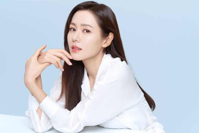 Son Ye Jin đẹp đến ngộp thở, hóa công chúa Disney: Quả nhiên là mỹ nhân thế giới 2020! Ảnh 6