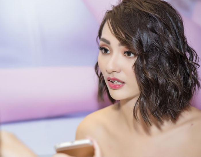 Hồng Quế 'cười hả hê' khi Lưu Đê Ly vướng scandal ẩu đả với anti-fan trên phố Hàng Buồm?