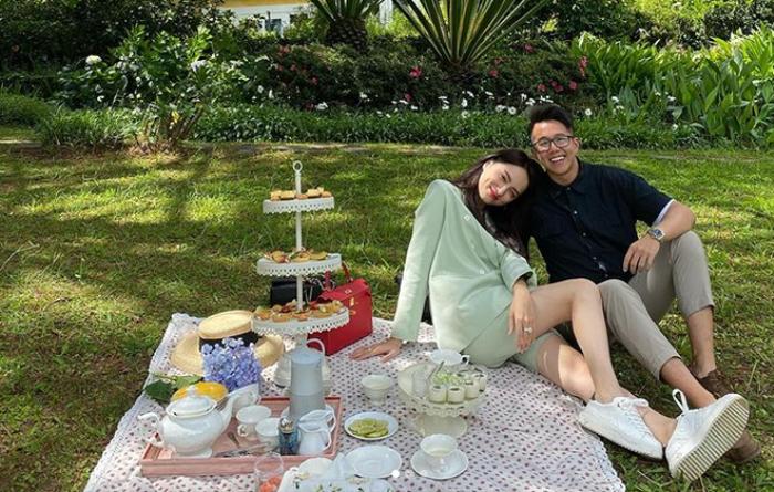 Ảnh Hương Giang tình tứ với Matt Liu trở thành bức hình có lượng tim lớn nhất trên Instagram các sao Việt Ảnh 1