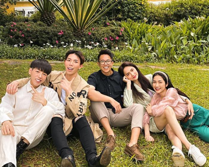 Ảnh Hương Giang tình tứ với Matt Liu trở thành bức hình có lượng tim lớn nhất trên Instagram các sao Việt Ảnh 3