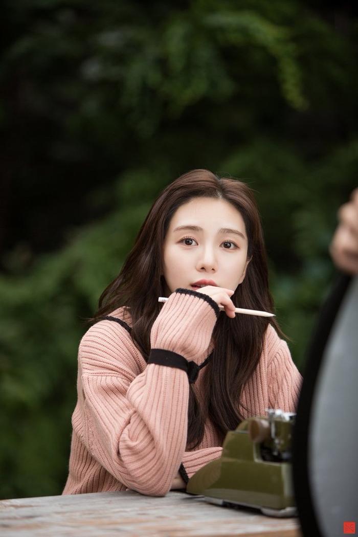 Xóa tài khoản Instagram sau khi tự tử: Mina và Seolhyun (AOA) lập tức đứng đầu Naver
