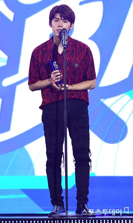 Người chiến thắng 'SOBA 2020': BTS nhận Daesang, Kang Daniel - TWICE và Red Velvet ôm về nhiều cúp lớn Ảnh 16