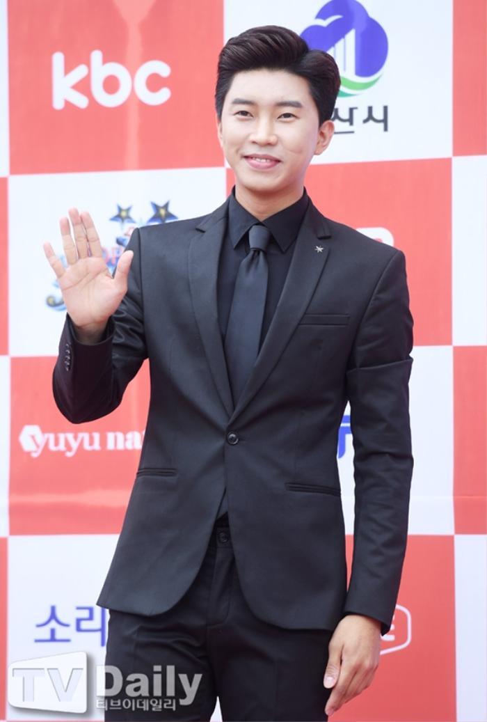 Người chiến thắng 'SOBA 2020': BTS nhận Daesang, Kang Daniel - TWICE và Red Velvet ôm về nhiều cúp lớn Ảnh 32