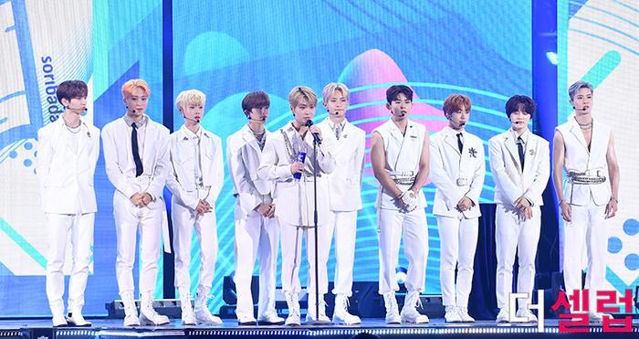Người chiến thắng 'SOBA 2020': BTS nhận Daesang, Kang Daniel - TWICE và Red Velvet ôm về nhiều cúp lớn Ảnh 4