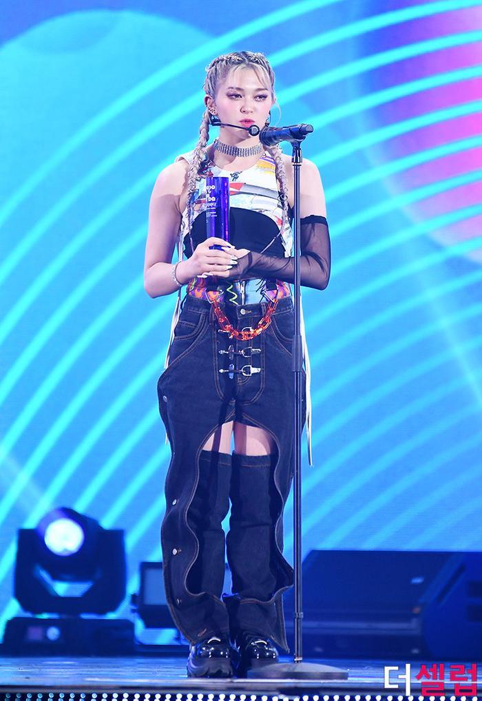 Người chiến thắng 'SOBA 2020': BTS nhận Daesang, Kang Daniel - TWICE và Red Velvet ôm về nhiều cúp lớn Ảnh 7