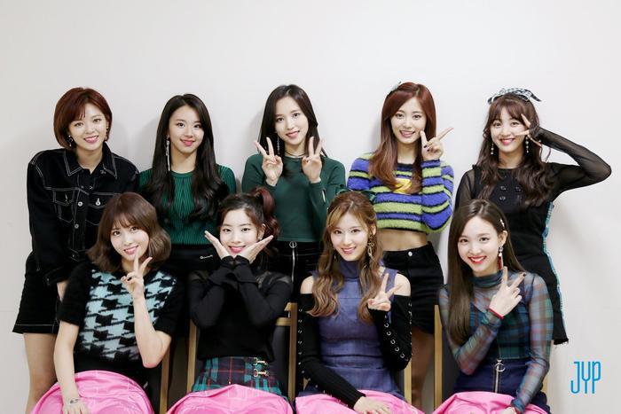 Người chiến thắng 'SOBA 2020': BTS nhận Daesang, Kang Daniel - TWICE và Red Velvet ôm về nhiều cúp lớn Ảnh 2