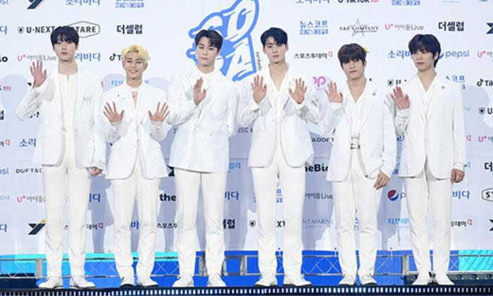 Người chiến thắng 'SOBA 2020': BTS nhận Daesang, Kang Daniel - TWICE và Red Velvet ôm về nhiều cúp lớn Ảnh 28
