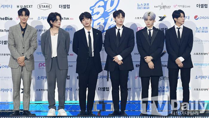 Thành viên Wanna One và X1 đoàn tụ sau khi tan rã: Mỗi người mỗi ngã nhưng cùng trở về một sân khấu! Ảnh 26