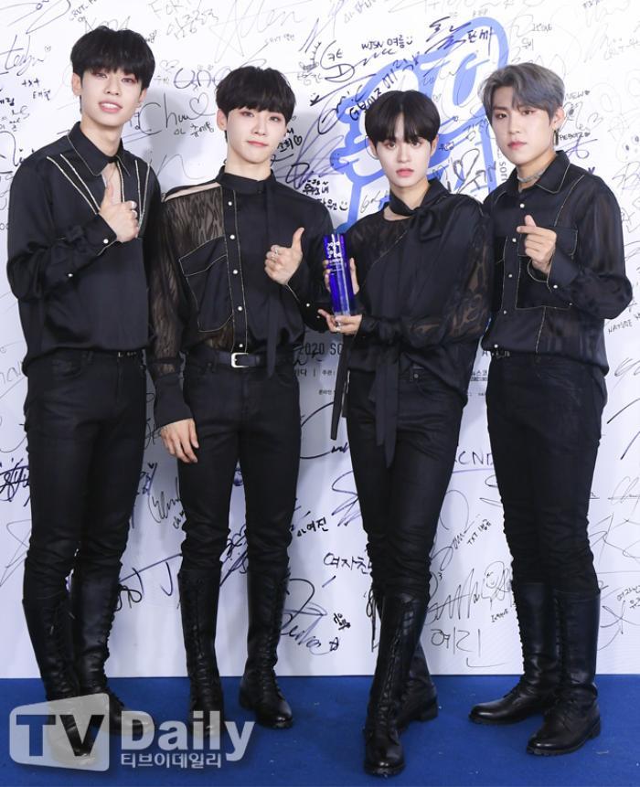 Thành viên Wanna One và X1 đoàn tụ sau khi tan rã: Mỗi người mỗi ngã nhưng cùng trở về một sân khấu! Ảnh 16