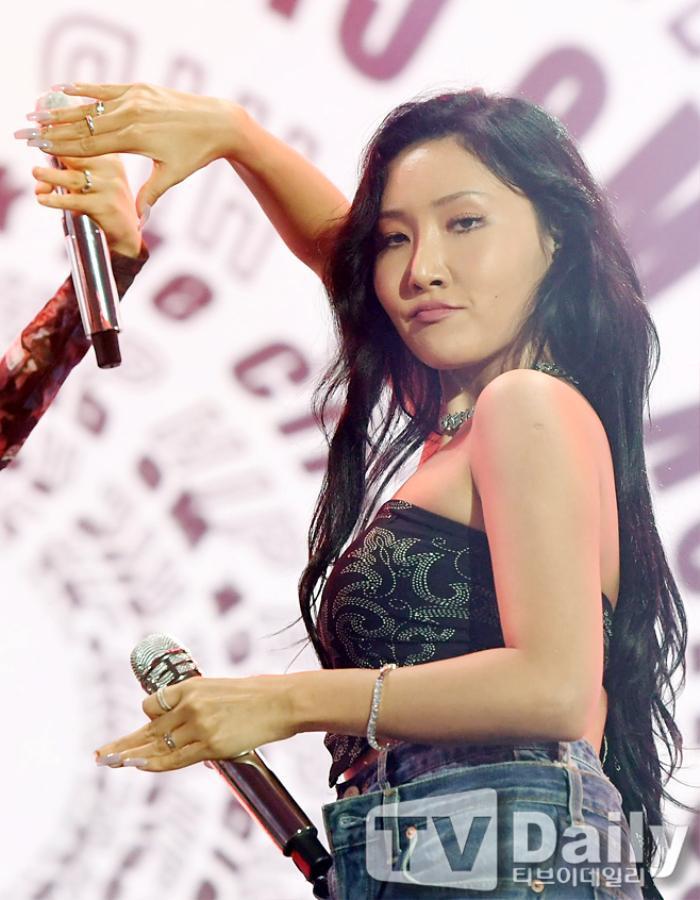 Dàn visual của TWICE, Red Velvet, IZ*ONE, ITZY đọ sắc tại hậu trường 'SOBA 2020': Ai là 'Nữ thần Kpop'? Ảnh 36