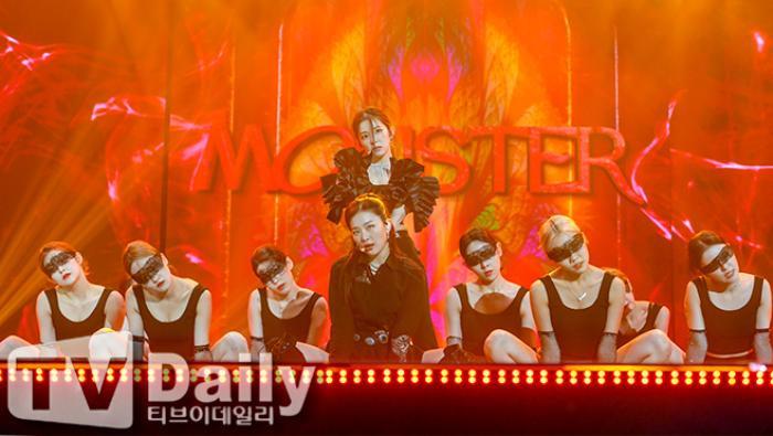 Dàn visual của TWICE, Red Velvet, IZ*ONE, ITZY đọ sắc tại hậu trường 'SOBA 2020': Ai là 'Nữ thần Kpop'? Ảnh 8