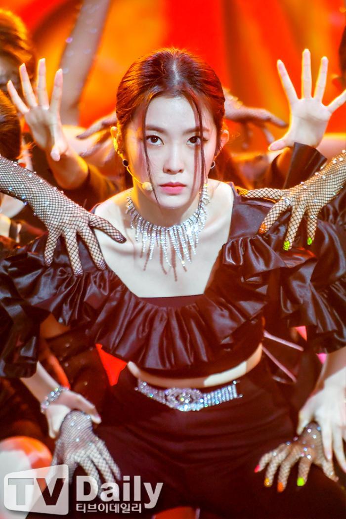 Dàn visual của TWICE, Red Velvet, IZ*ONE, ITZY đọ sắc tại hậu trường 'SOBA 2020': Ai là 'Nữ thần Kpop'? Ảnh 6