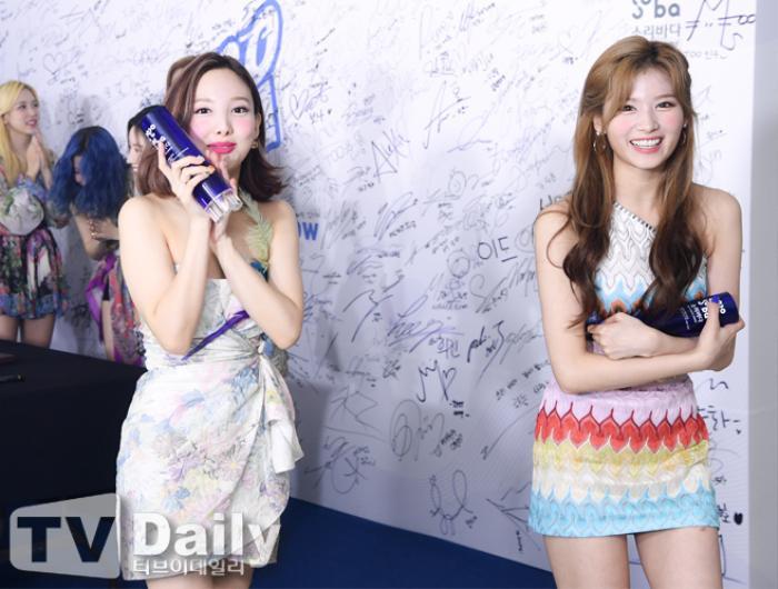 Dàn visual của TWICE, Red Velvet, IZ*ONE, ITZY đọ sắc tại hậu trường 'SOBA 2020': Ai là 'Nữ thần Kpop'? Ảnh 23