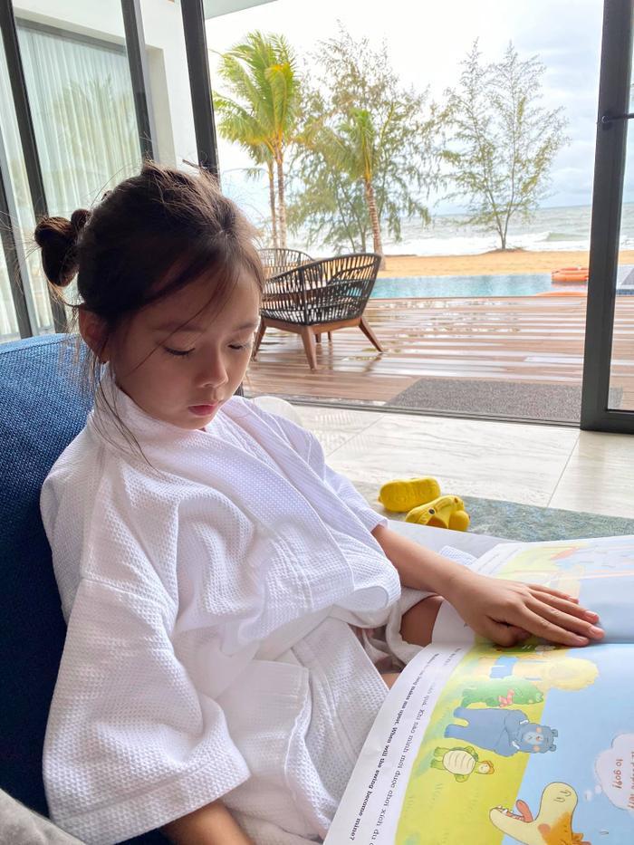 Đoan Trang làm dân tình ngẩn ngơ khi tung loạt ảnh chụp con gái xinh như hoa hậu tương lai
