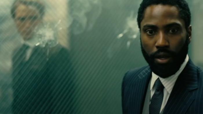 Cùng điểm lại 2 trailer của 'Tenet' để giải mã phép đảo ngược thời gian trước khi bộ phim ra rạp
