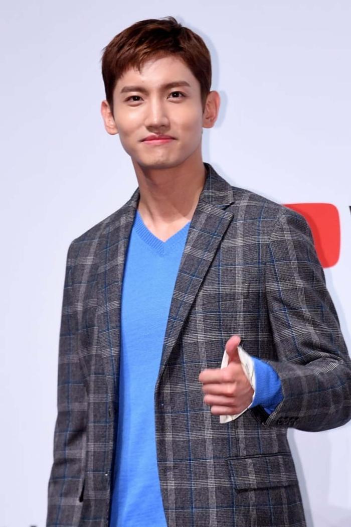 Max Changmin (DBSK) và Kang Sora thông báo hoãn đám cưới Ảnh 3