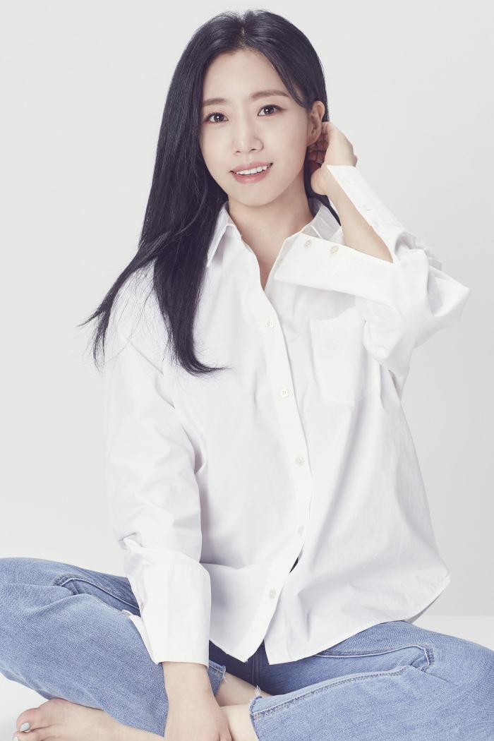 Nữ tân binh giống Sulli, Park Ji Hoon và 5 sao Hàn khiến dân mạng ngỡ ngàng Ảnh 13