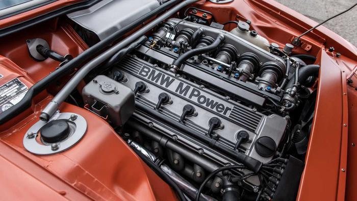 Cận cảnh xế cổ BMW 3.0 CS đời 1974 của 'người sắt' Robert Downey Jr. Ảnh 12