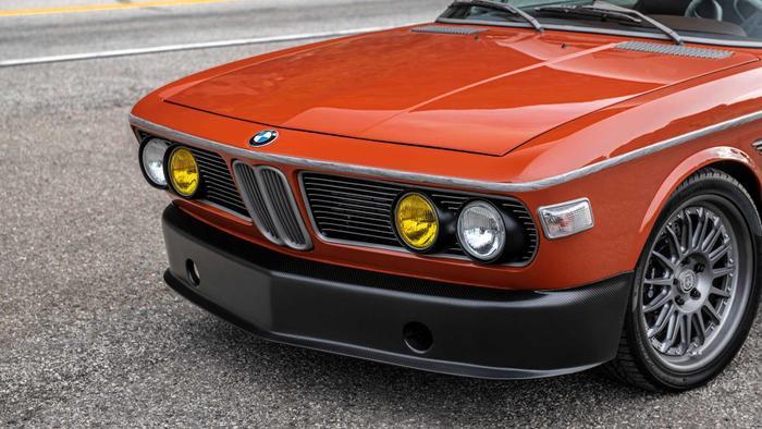 Cận cảnh xế cổ BMW 3.0 CS đời 1974 của 'người sắt' Robert Downey Jr. Ảnh 7