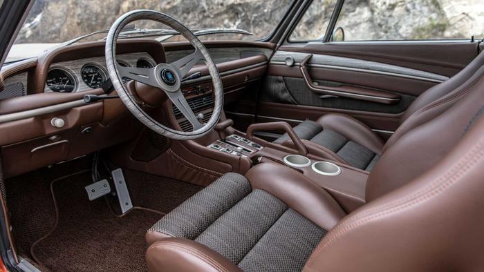 Cận cảnh xế cổ BMW 3.0 CS đời 1974 của 'người sắt' Robert Downey Jr. Ảnh 10