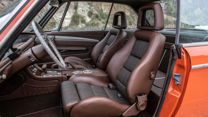 Cận cảnh xế cổ BMW 3.0 CS đời 1974 của 'người sắt' Robert Downey Jr. Ảnh 9