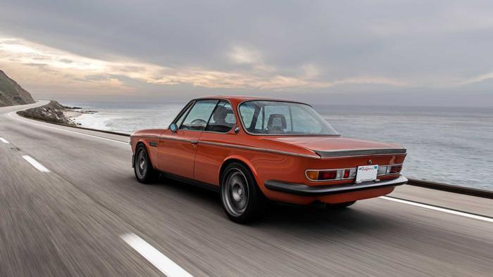 Cận cảnh xế cổ BMW 3.0 CS đời 1974 của 'người sắt' Robert Downey Jr. Ảnh 13