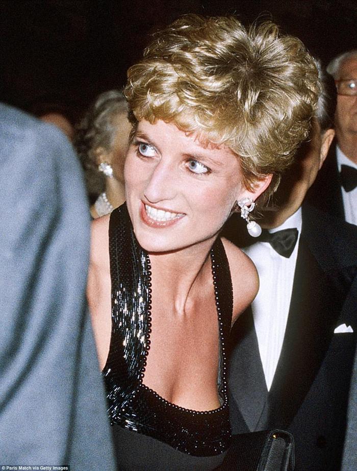 10 món trang sức quý giá công nương Diana để lại cho con dâu Ảnh 6
