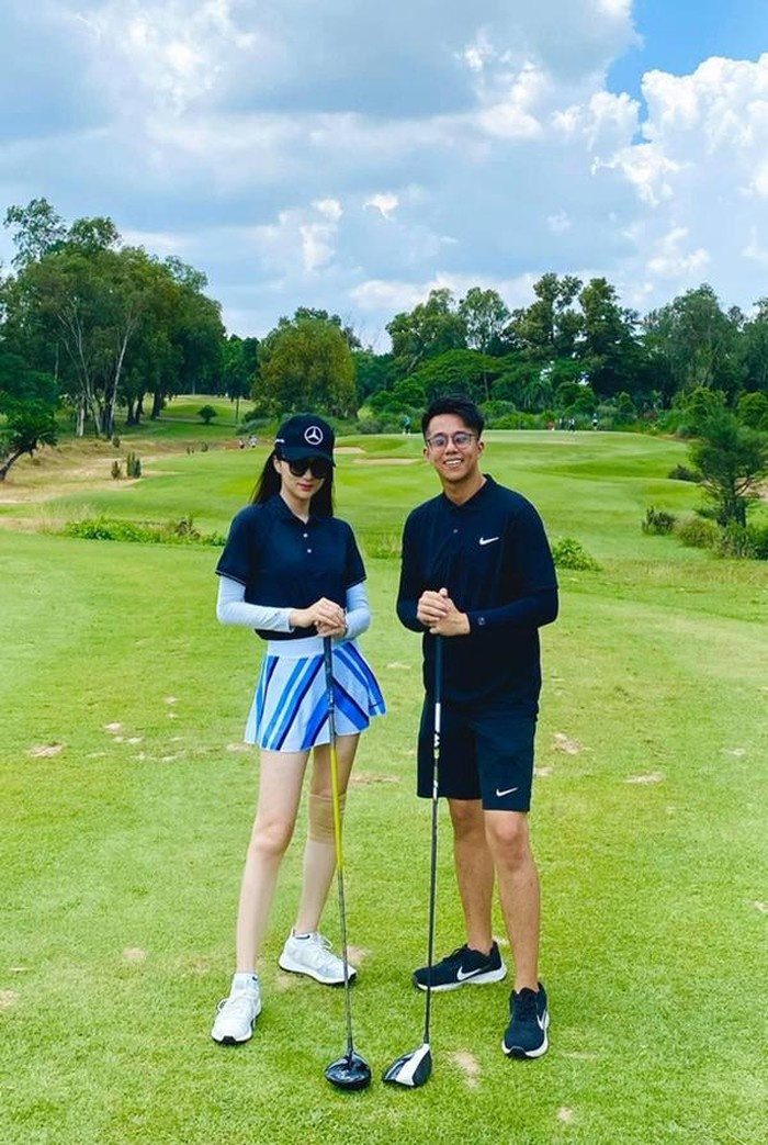 Style chơi golf của dàn mỹ nhân Việt: Hương Giang khoe đôi chân cực phẩm, Huyền My lại kín bưng Ảnh 2