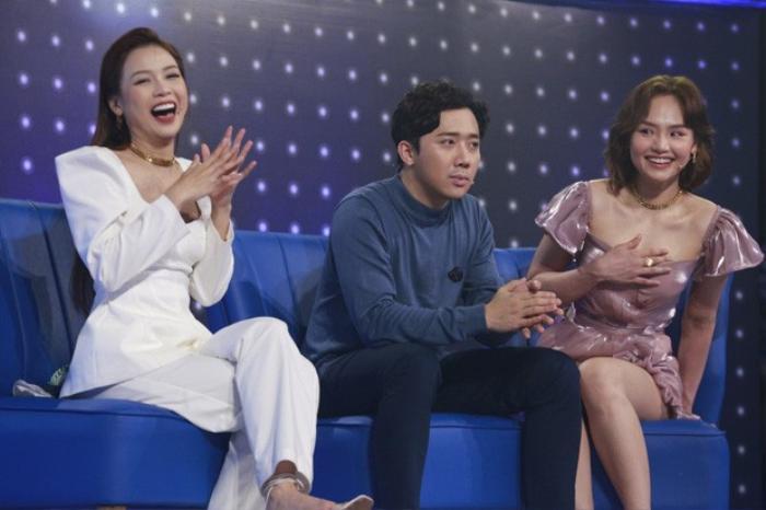 Mặc váy siêu ngắn lên sóng truyền hình: Sao Việt ngượng chín mặt liên tục tìm cách che đậy Ảnh 6