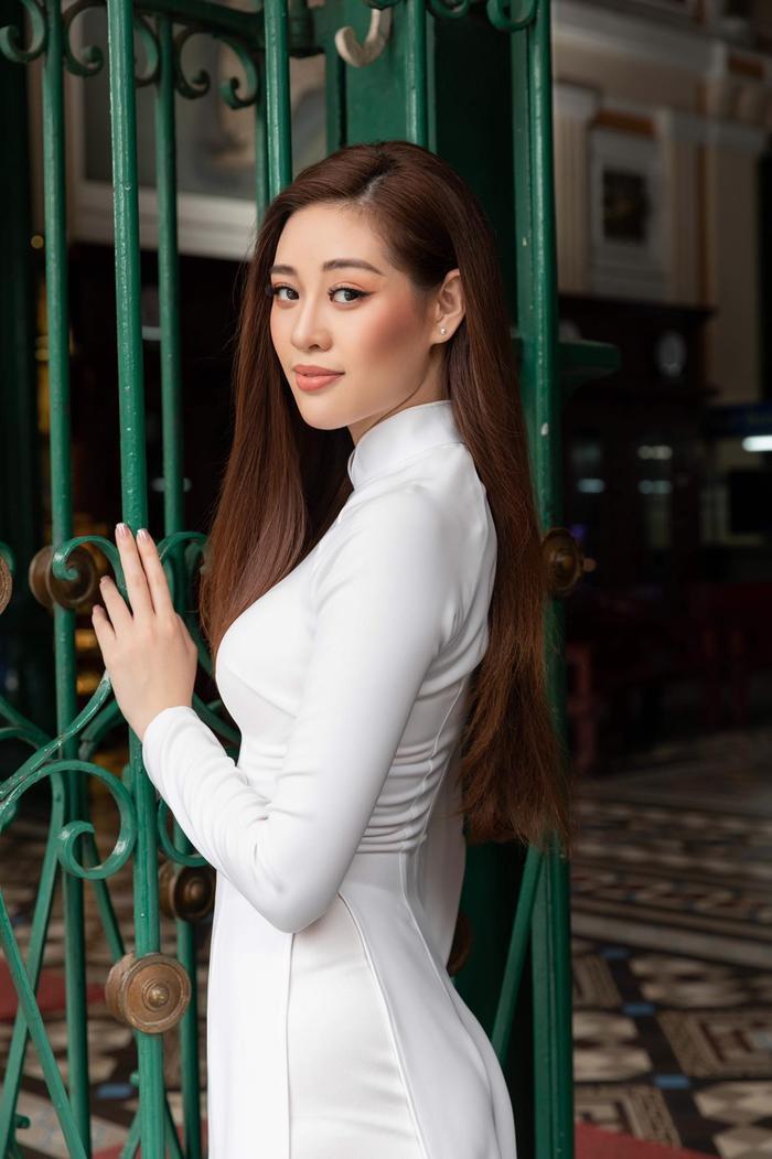 Đối thủ Khánh Vân - Tân Hoa hậu Hoàn vũ Malaysia 'chìm nghỉm': Nhan sắc bị dìm khi đăng quang Ảnh 8