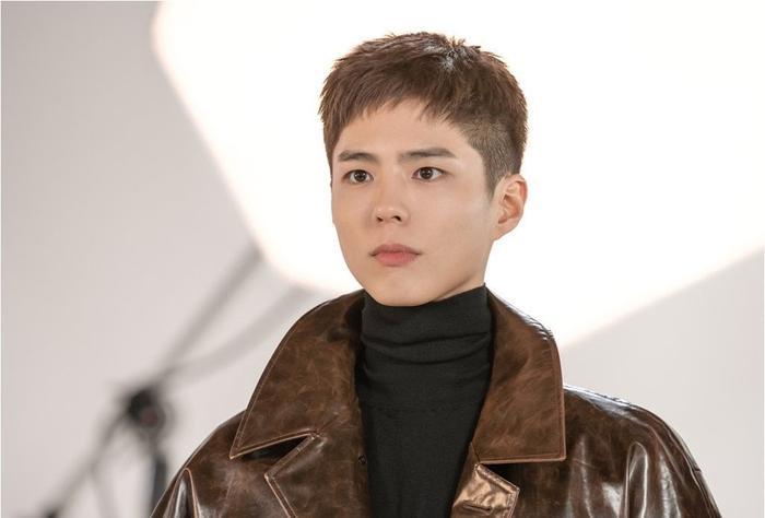Trước giờ Park Bo Gum hóa mỹ nam vệ sĩ và cùng dàn diễn viên 'Ký sự thanh xuân' chia sẻ về tuổi trẻ Ảnh 2
