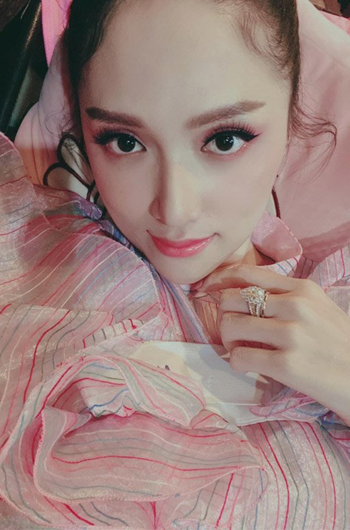 Không khoe hàng hiệu, Hương Giang, Lý Nhã Kỳ, Lệ Quyên khiến fan choáng khi đeo nhẫn kim cương siêu to khổng lồ Ảnh 7