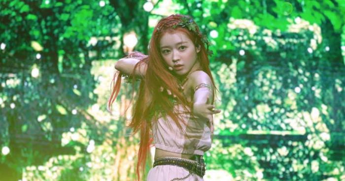 Những tâm sự của Yooa (Oh My Girl) trên sân khấu solo với album đầu tay Bon Voyage Ảnh 2