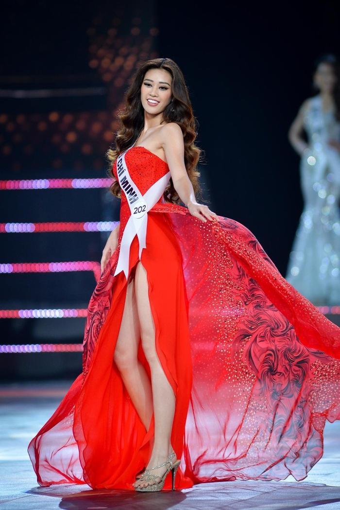 5 khoảnh khắc Khánh Vân tỏa sáng xuất thần với đầm dạ hội xẻ tà, bay bổng: Sẵn sàng càn quét Miss Universe Ảnh 3