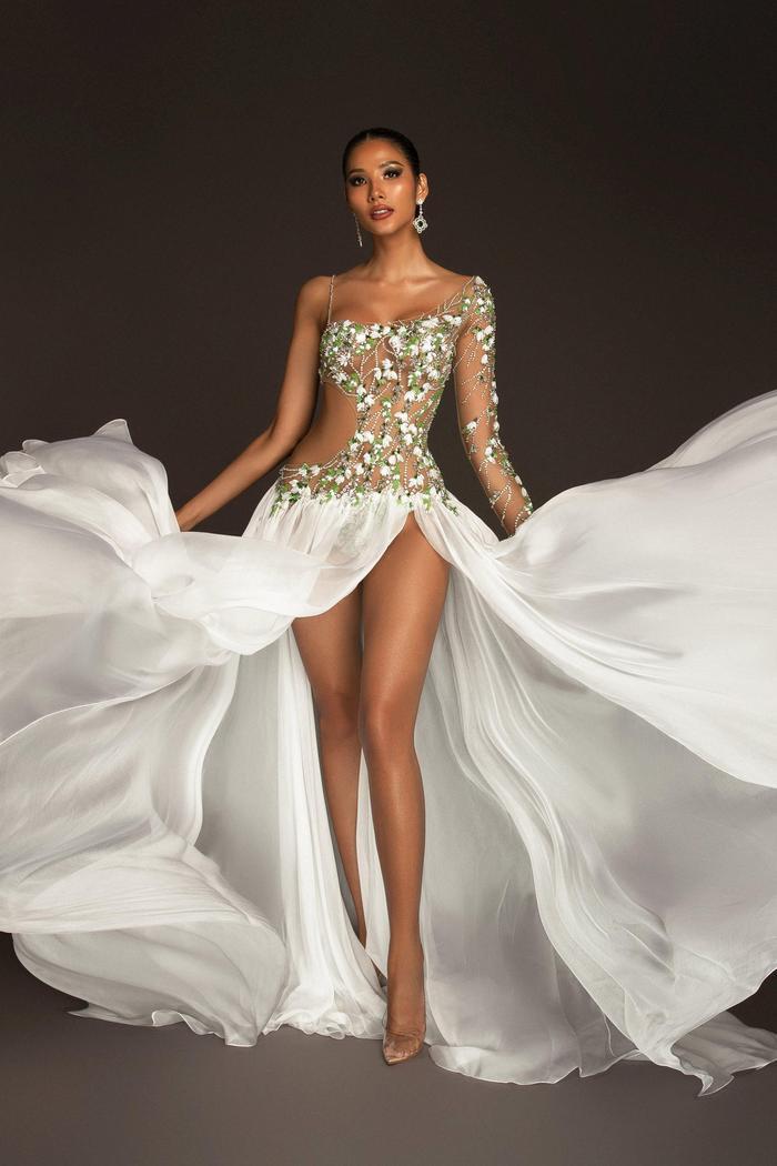 5 khoảnh khắc Khánh Vân tỏa sáng xuất thần với đầm dạ hội xẻ tà, bay bổng: Sẵn sàng càn quét Miss Universe Ảnh 9