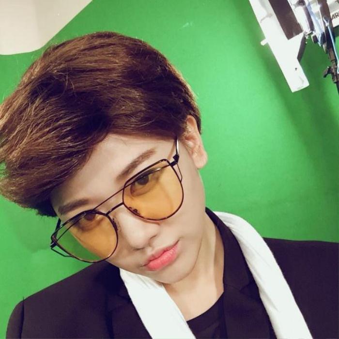 Những màn giả trai ấn tượng của mỹ nhân Việt: Khởi My quá thư sinh, Hari Won menly đến bất ngờ. Ảnh 12
