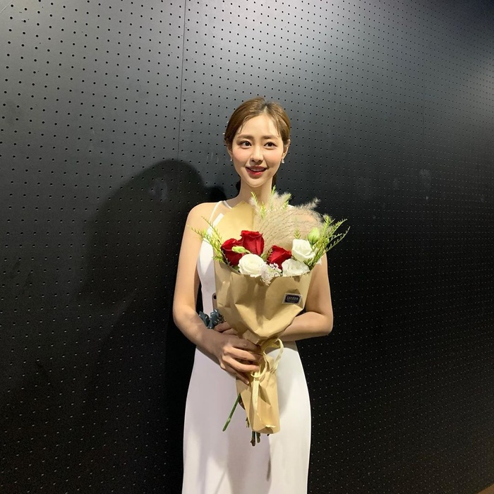 Nhan sắc 'Hoa hậu truyền thống Hàn Quốc 2020' bỏ xa Á hậu: Knet nói gì? Ảnh 26