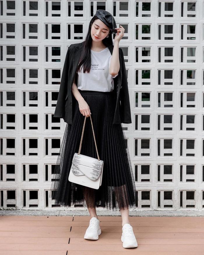Hương Giang, Đỗ Mỹ Linh, Lương Thùy Linh ghi điểm mạnh nhờ set đồ thời trang kinh điển Ảnh 11