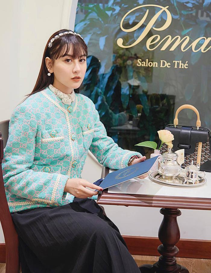 Hương Giang, Đỗ Mỹ Linh, Lương Thùy Linh ghi điểm mạnh nhờ set đồ thời trang kinh điển Ảnh 13