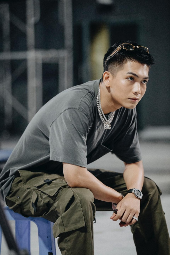 Phong cách 'streetwear' bụi bặm của BigDaddy khiến các tín đồ thời trang đổ đứ đừ Ảnh 12