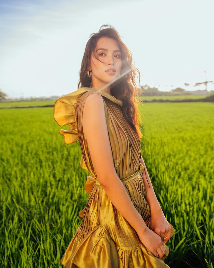 Ngơ ngẩn ngắm Hoa hậu Tiểu Vy đẹp nuột nà trong bộ ảnh chụp tại quê nhà Hội An Ảnh 28
