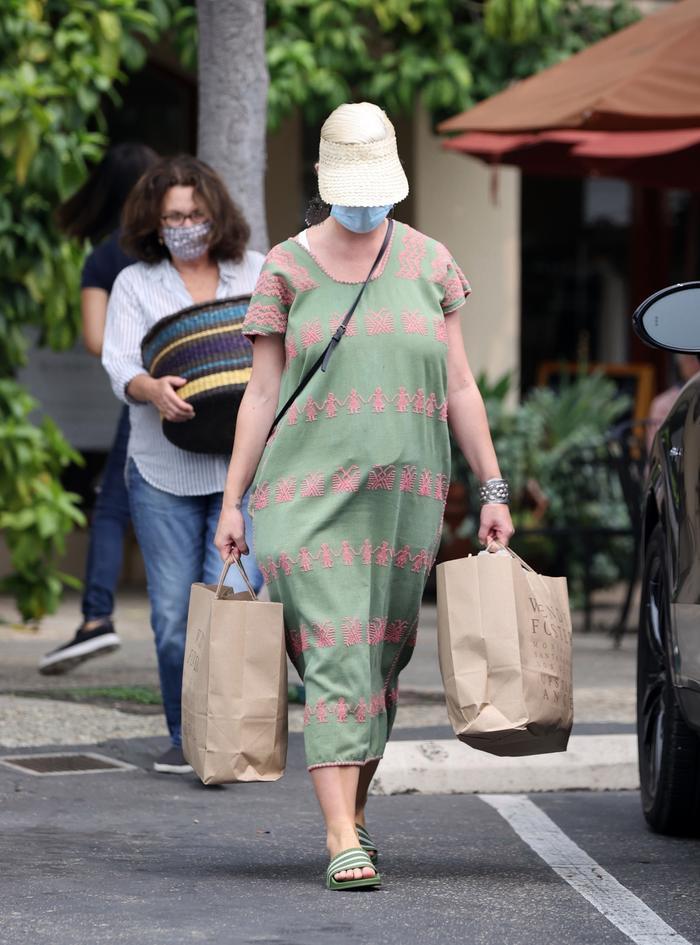 Katy Perry lần đầu xuất hiện sau khi hạ sinh con gái đầu lòng Ảnh 1