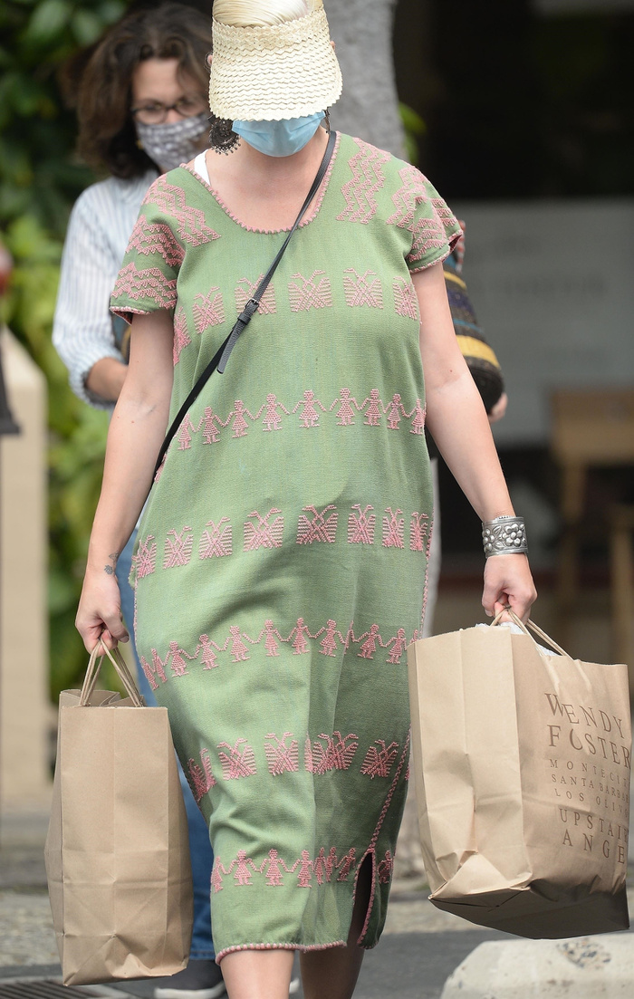 Katy Perry lần đầu xuất hiện sau khi hạ sinh con gái đầu lòng Ảnh 2
